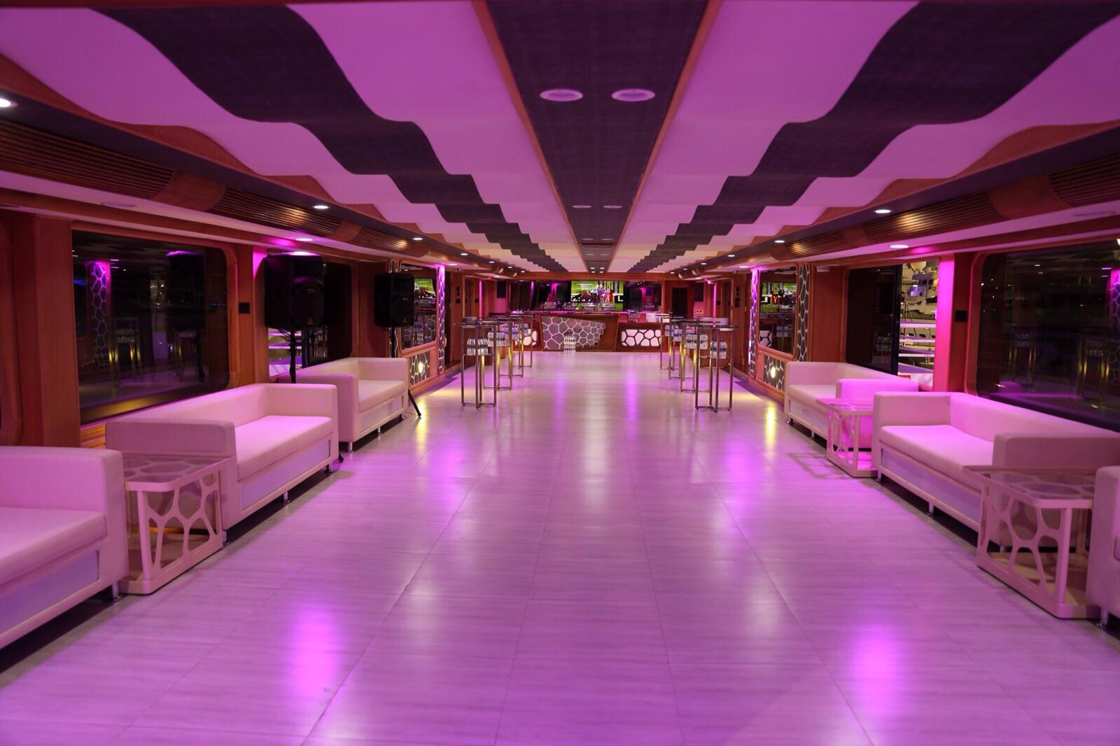 Dubai Exotic Yacht